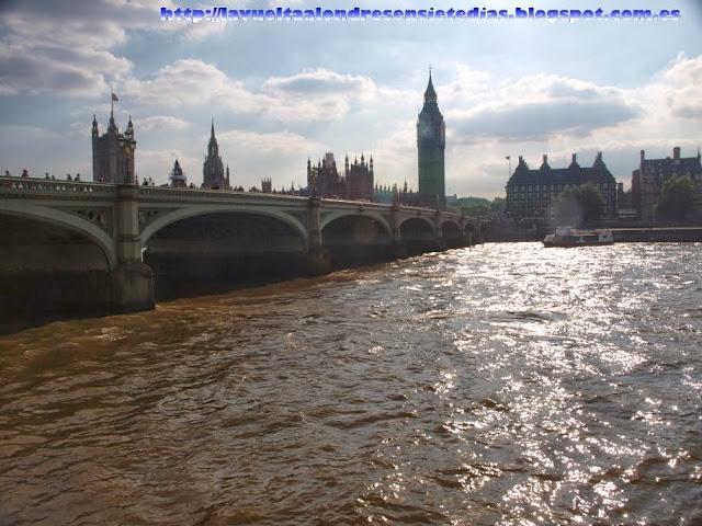 Torre del Big Ben, Casa del Parlamento y Puente de Westminster desde la orilla sur del Támesis