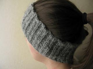 Beaded rib headband free knitting pattern by Littletheorem. Handspun yarn, quick easy knit.