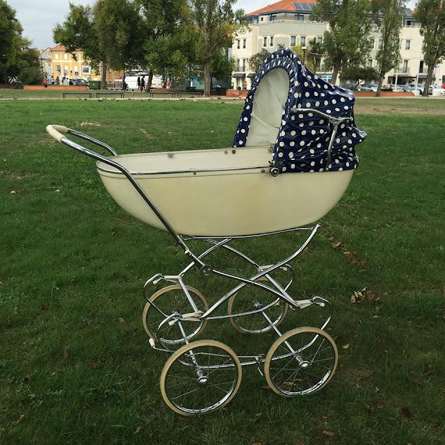 carrinho de bébé, anos 60, bébé, enxoval, vintage