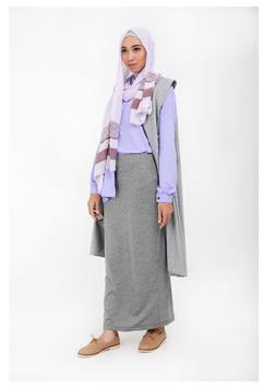 Foto Padu Padan Busana Muslim Modern Dengan Long Vest