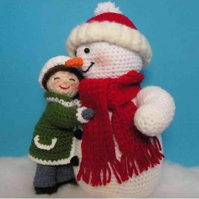 Девочка и снеговик игрушки крючком