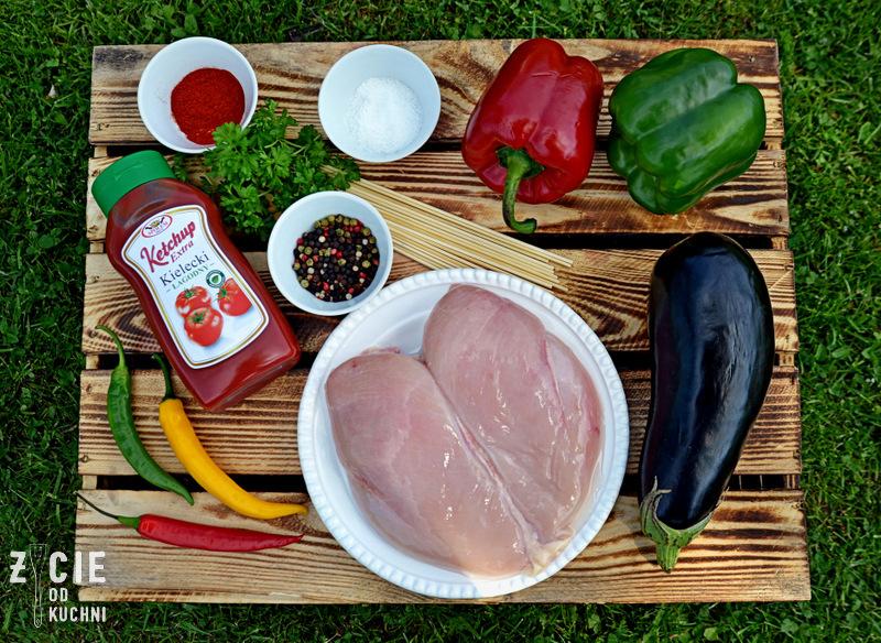 szaszlyki, danie z grilla, przepis na szaszalyki, ketchup, ketchup kielecki, musztarda, musztardz kielecka, jak zrobic szaszlyki, majowka, przyjecie w ogrodzie, zycie od kuchni