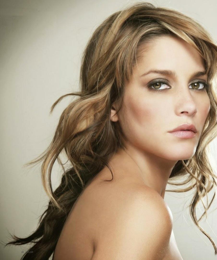 Hollywood Actress Wallpaper: Adriana Fonseca Wallpapers