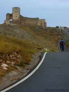 ici-colo.ro: Delta Dunarii pentru cei comozi - cetatea Enisala