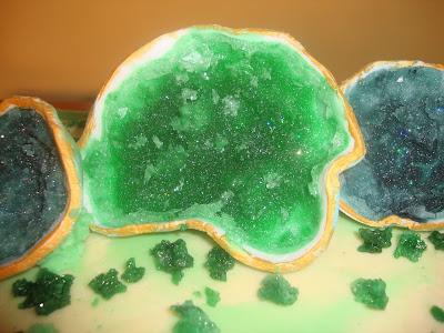 Detalle decoración tarta geodas