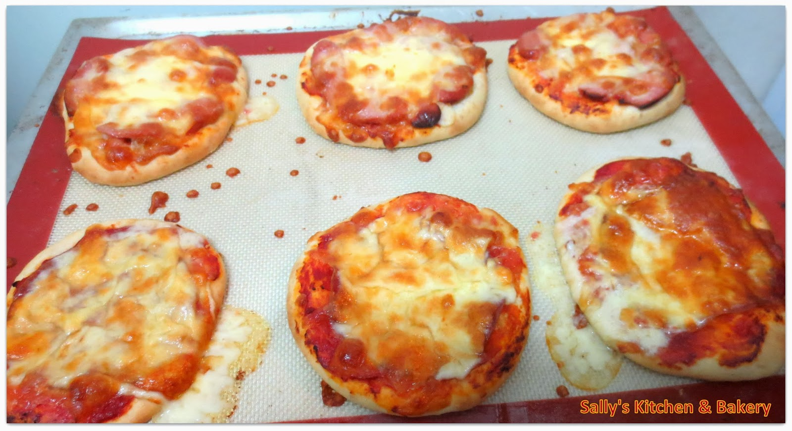 Sally's Kitchen & Bakery: [40分鐘 ] 簡易薄Pizza / [60分鐘 ] 簡易Pizza包 (附食譜)