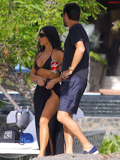 Kim Kardashian   Huge  Lips  and  ~ bollycelebs.in Exclusive Celebrity Pics 016