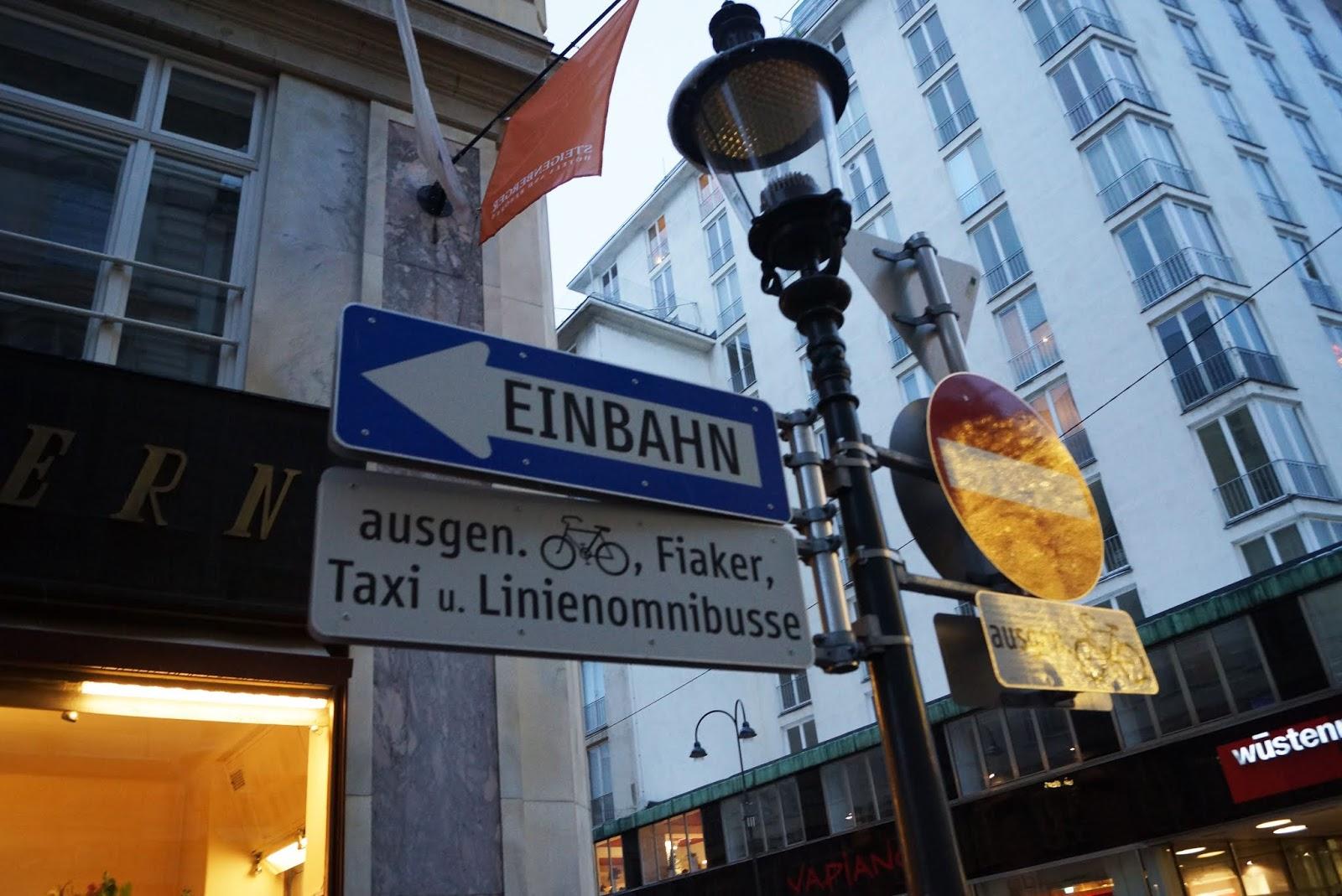 znaki na ulicy