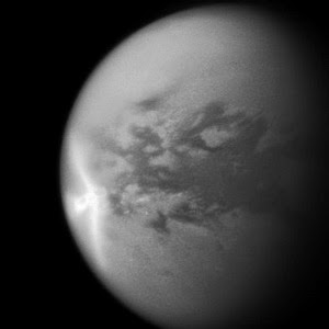 Selubung Es Rigid Bulan Titan