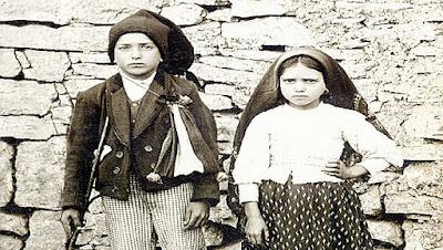 imagem dos Santos Francisco e Jacinta Marto
