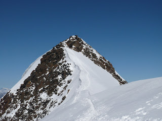 Der untere Teil des Gipfelgrates