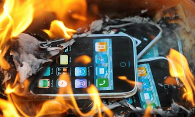Berhati-hati Ketika Menggunakan Telefon Bimbit