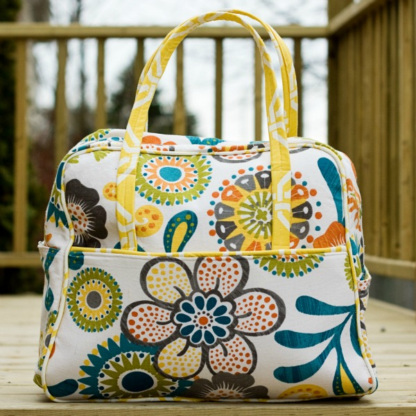 A Handmade Tale Amy Butler S Weekender Travel Bag Review