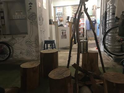 神奈川・横須賀 横須賀ビール 店内 キャンプ