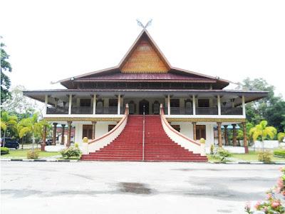 Gambar Desain Rumah Adat Riau