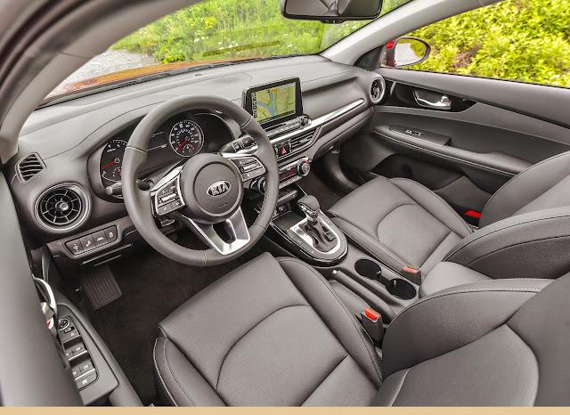 Interior view of 2019 Kia Forte EX