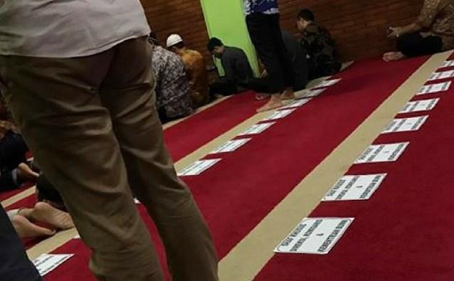 Astaghfirullah! Sholat Berjamaah Kementrian BUMN Shaftnya Diatur Menurut Jabatan