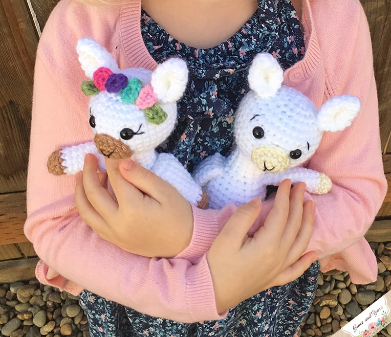 Mini Amigurumi Llama A Free Crochet Pattern Grace And Yarn