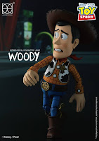 "Hybrid Metal Figuration Series Woody de ""Toy Story"" - Herocross"