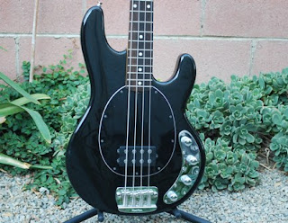 rex and the bass 2004 musicman stingray 4 bass. Black Bedroom Furniture Sets. Home Design Ideas