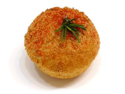 パン オ クラブ ~カニのトマトソースパン~ | LE PAIN de Joël Robuchon(ル パン ドゥ ジョエル・ロブション)