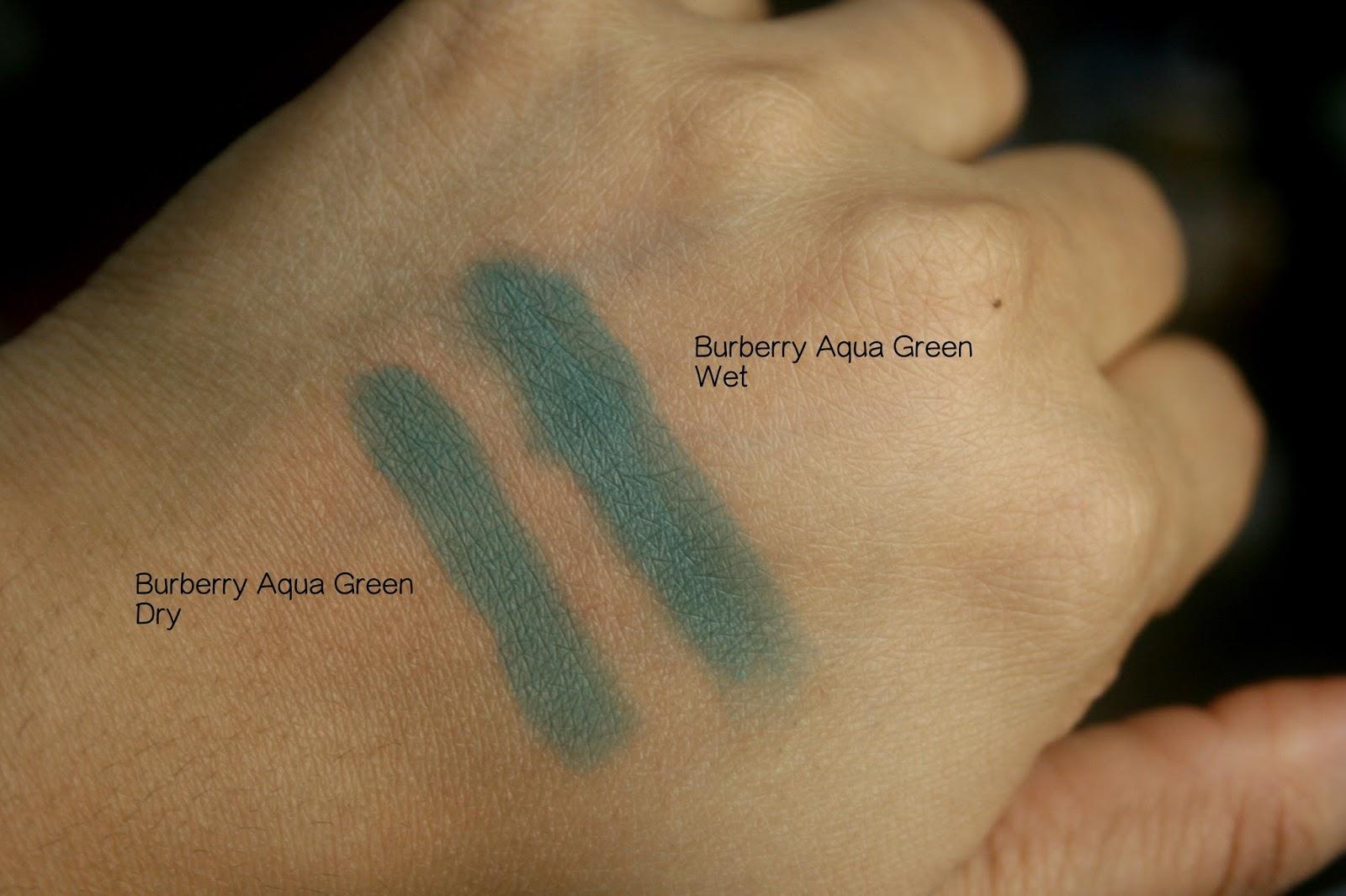 Burberry Beauty Wet Dry Silk Eyeshadow in Aqua Green No.309 Swatch