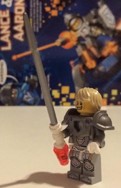 LEGO NEXO KNIGHTS free Lance minifigure