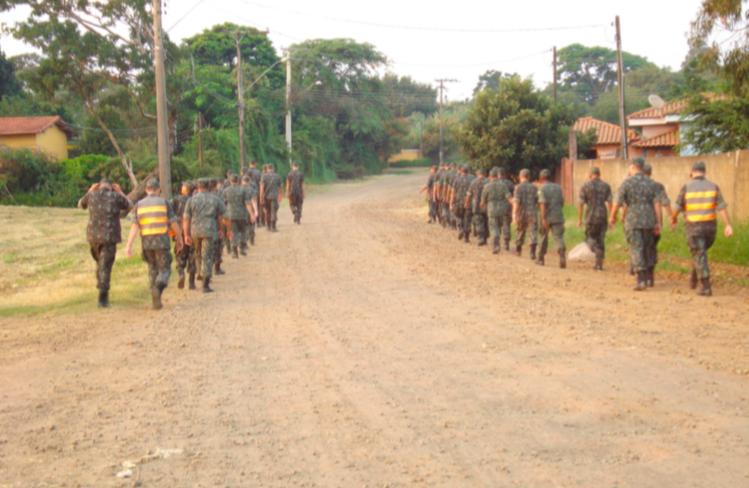 Tiro de Guerra realiza a primeira marcha de 8 km