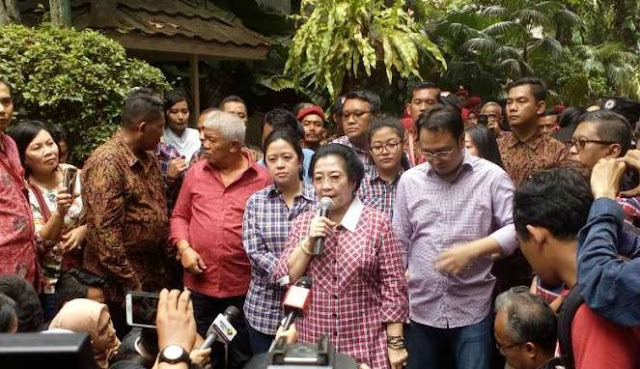 foto Megawati diambil dari viva.co.id