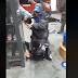 Playero de estación de servicio evitó un robo y molió a palos al ladrón que le gatilló dos veces