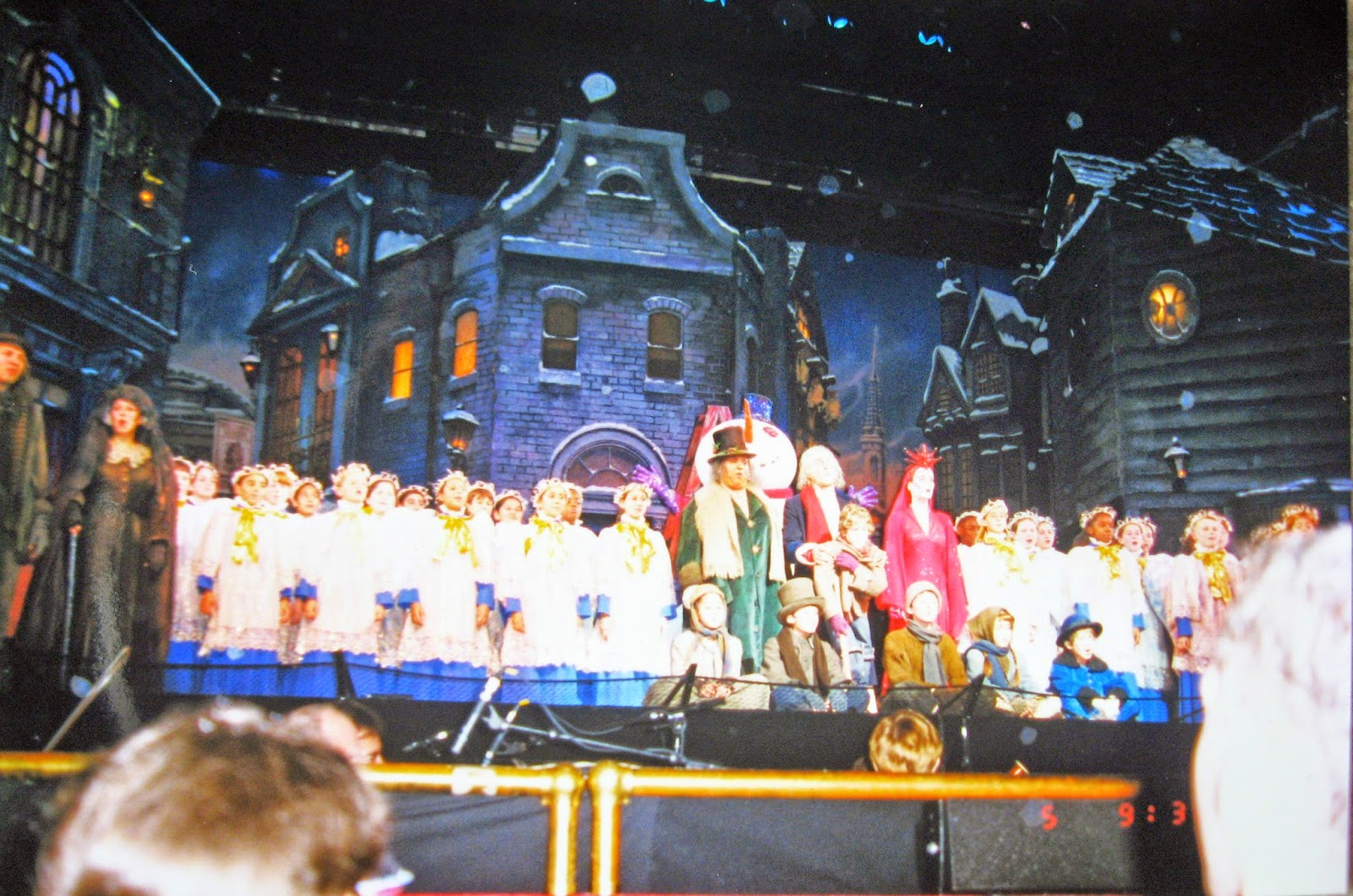 Tommy Mondello's photo's of Roger Daltrey as Scrooge in A Christmas carol Dec 5, 1998 at MSG