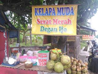 penjual degan wulung kelapa hijau serat merah kalasan