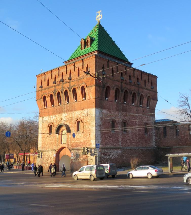 Дмитриевская башня Нижегородского кремля.