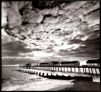 Best black and white pictures lee frosts simple art of black and white photographygraphy