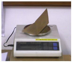 timbangan kertas