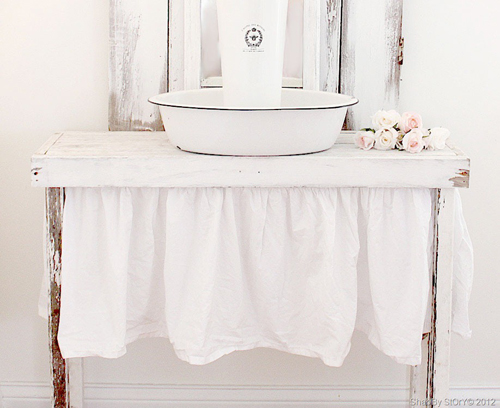035web13 Bright Shabby Chic Interior Inspiration | Living with White from Shabby Story Blog