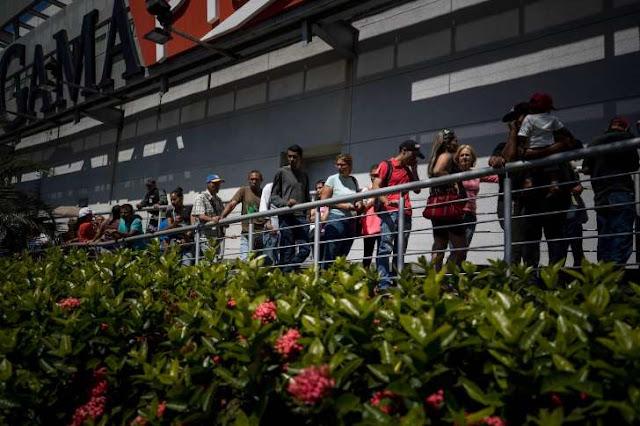 Buongiornolink - Fa una fila di 48 ore per ritirare la pensione sociale e muore