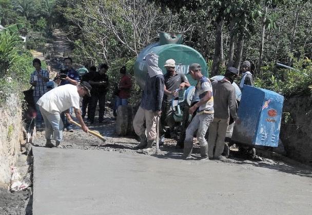Dana Desa Simpang Tais Dimanfaatkan Untuk Infrastruktur