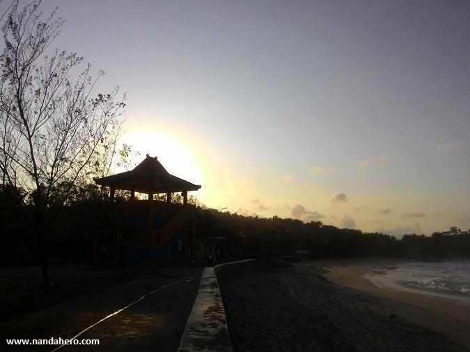 sunrise pantai klayar