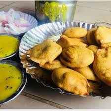 Bhajiya Marchant Onion yellow chutney