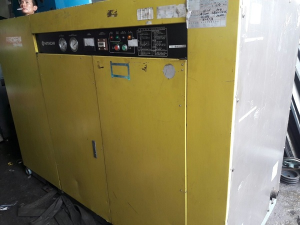 bán máy nén khí cũ trục vít Hitachi 75 kW
