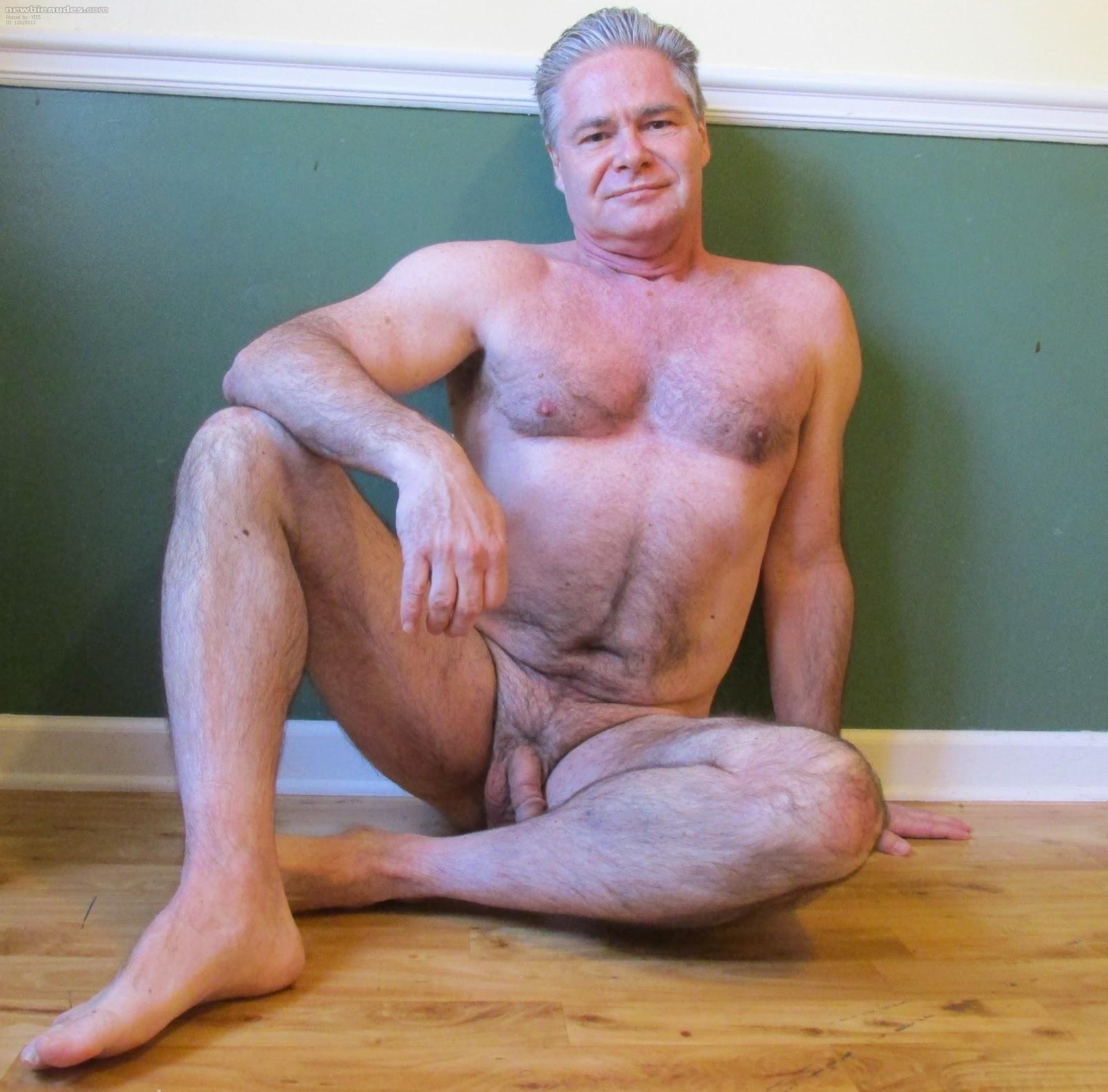 голышом старик