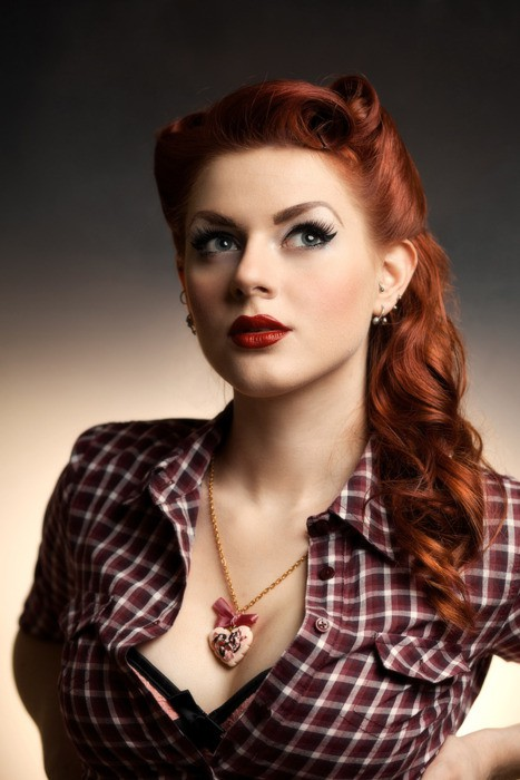 Pin Up Hair ~ Lindsey Jones