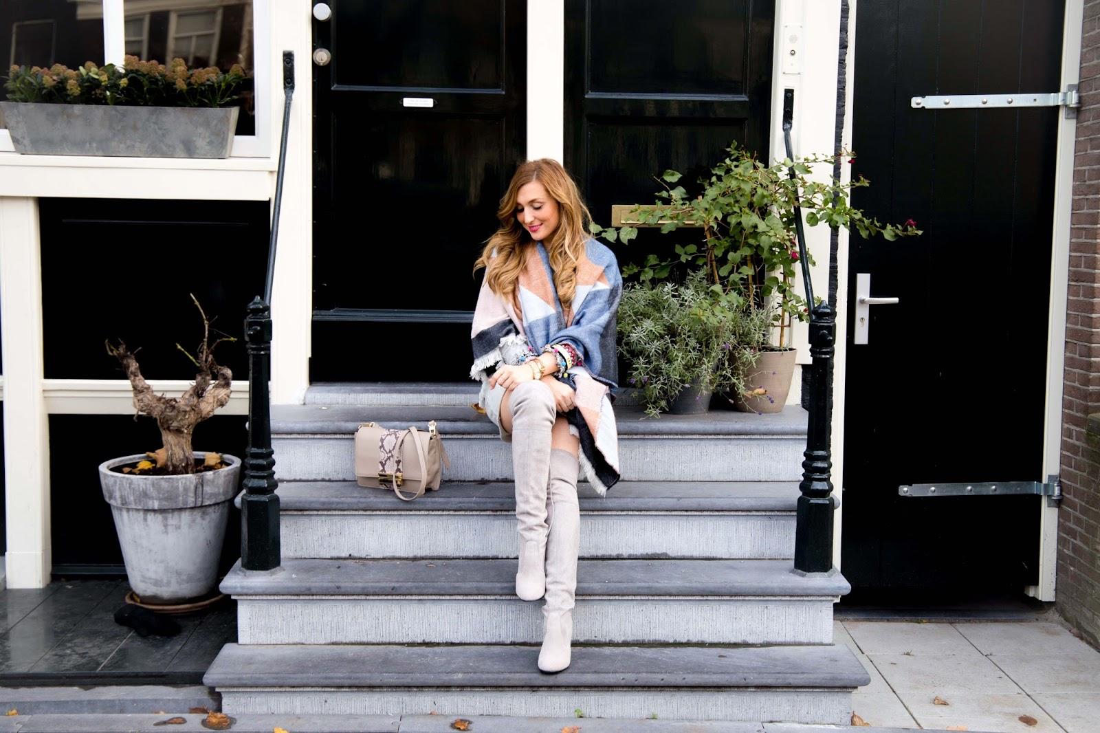 graue-overknees-Fashionstylebyjohanna-blogger-aus-deutschland-lifestyleblogger-grazia-magazin-was-ist-derzeit-im-trend