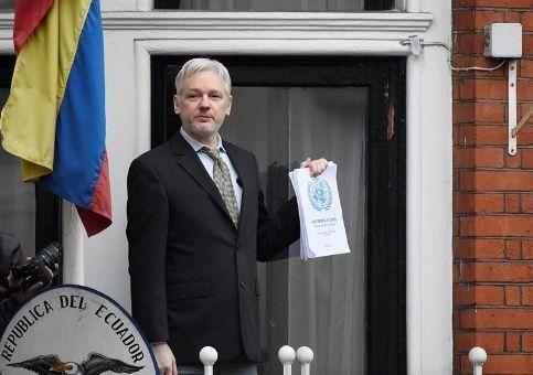 """Ecuador ratifica asilo a Assange """"el tiempo que sea necesario"""""""