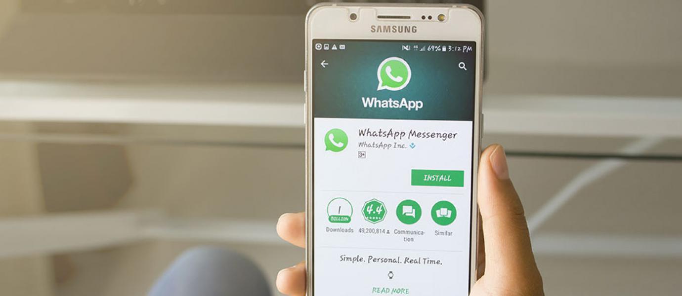 Jangan Terpengaruh Info Hoax Mengubah Warna WhatsApp!