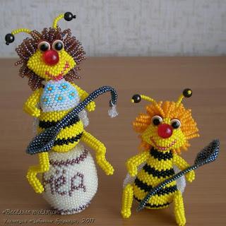 Игрушки из бисера пчелки