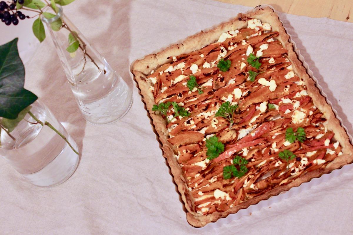 Rezept Kürbis Tarte mit Ziegenkäse www.theblondelion.com/2016/11/kuerbis-tarte-ziegenkaese-kuerbis-karotte-ingwer-suppe.html
