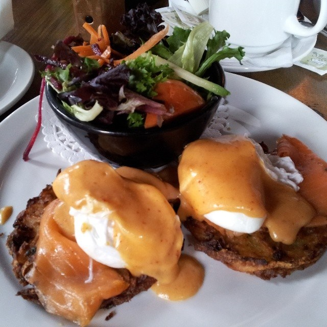Brunch with eggs benedict