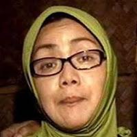 Biodata Tati Cuek pemeran Neneknya Iqbal